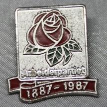 Arbeiderparti merke 100 år 1887 - 1987 gitt av Eli Anne Hole