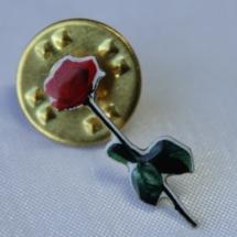 Arbeiderpartiet rose pin