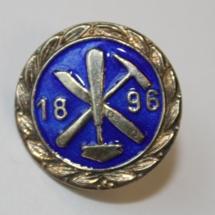 Glassmester svennenes fagforening medlemsnål (Merket ligger i Karat sin samling)