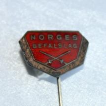 Logo nål for Norgesbefalslag etablert 7/2 1896 og er forløperen til Norsk Offisersforbund
