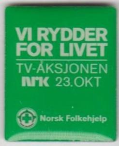 Norsk Folkehjelp TV-aksjonen pin fra 2011 (ligger i samlingen til Aksel Rigmund Hjelland)