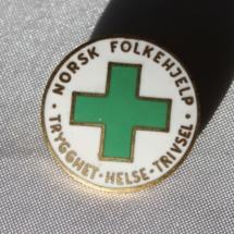 norsk-folkehjelp-og-1-mai-merker-014