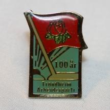 Trondheim Arbeiderpartiet 100 års jubileums pin gitt av Ole Kristian Lundereng