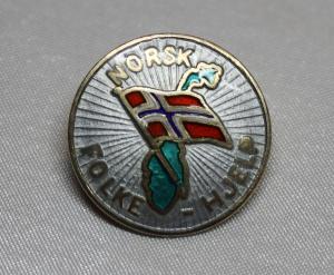 Norsk Folkehjelp nål fra 50 - 60 tallet