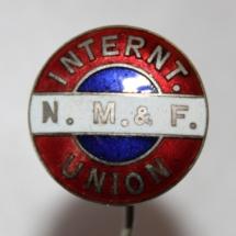 Norsk Matros- og Fyrbøter-Union nål etablert i 1910 skiftet navn i 1933 til Norsk sjømannsforbund