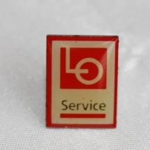 Kartell pin LO Service etablert 1996 nedlagt i 2004 (merke ligger i samlingen til Ralf Stahlke)