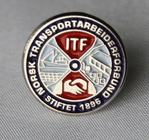 Norsk Transport Arbeiderforbund medlems pin i bruk fra 2016 - gitt av Morten Hagen