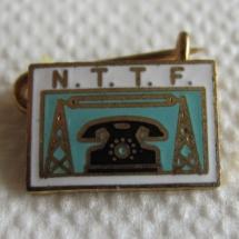 Norsk Telegraf- og Telefonforbund/Norsk Tele Tjeneste Forbund merke med gullskrift og tårn (etablert i 1930) gikk inn i TD 1988