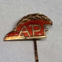 Arbeiderbevegelsens Presseforbund æresnål for langt og aktivt medlemskap (gitt av Ivar Leveraas)