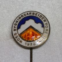 Medlems nål fra Moss Bygningsarbeiderforening (gitt av Ivar Leveraas)