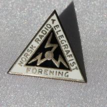 Norsk Radiotelegrafist forening etb 1926 gikk inn i Sjømannsforbundet i 1936 (nål gitt av Madt Tjøtta)