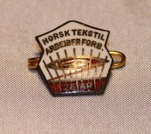 Norsk Tekstilarbeiderforbund 25 års m tvernål (etb 1924 gikk inn i Bekledningsarbeiderforbundet i 1969)