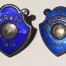 Merkene er samme klubb med 2 forskjellige navn: JB&IL = Jørpeland Ball & Idrettslag IL Staal = Idrettslaget Staal